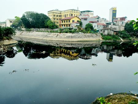 Báo động: 95% các hồ Hà Nội bị ô nhiễm
