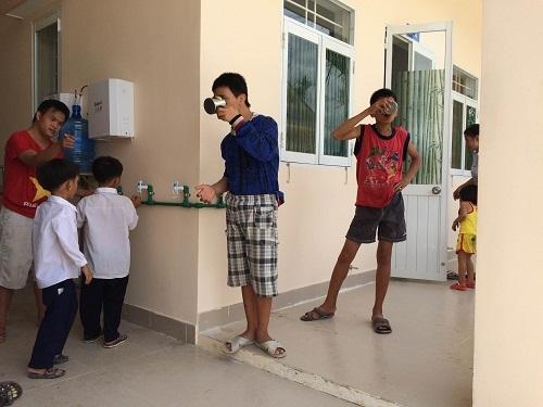 Lắp máy dùng cho lượng người dùng tại trung tâm trẻ khuyết tật