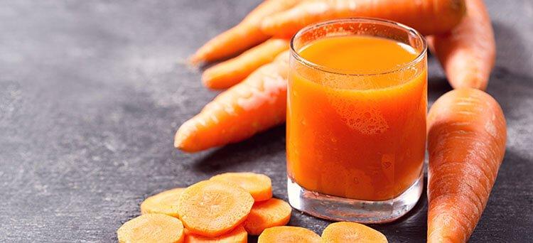 Bổ sung vitamin C bằng nước ép cà rốt