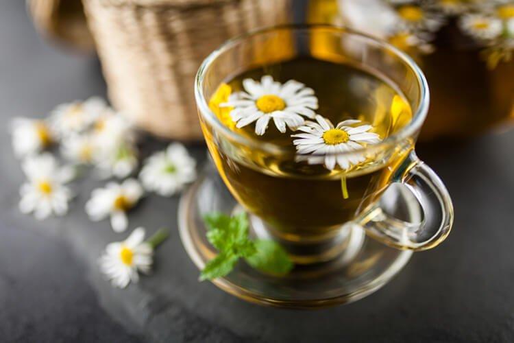 Giảm stress bằng trà hoa cúc