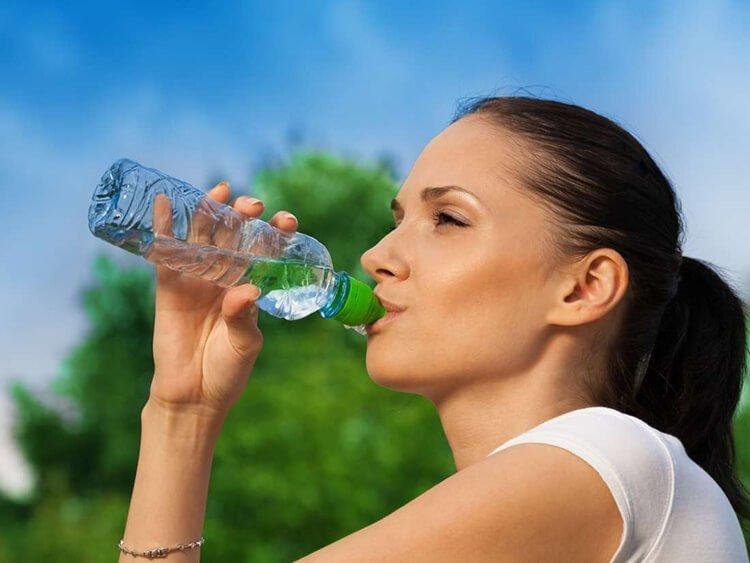 Uống nước lọc giúp đốt cháy calo