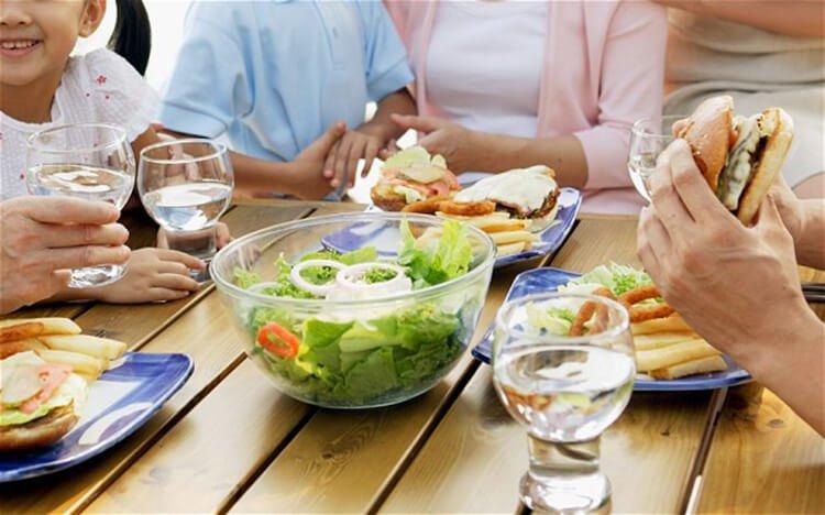 Vai trò của uống nước trong hấp thụ các chất dinh dưỡng