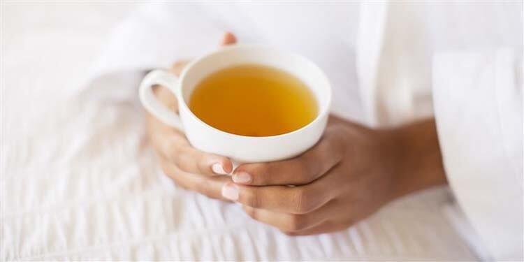 Cách giảm đau họng tại nhà bằng trà thiên nhiên