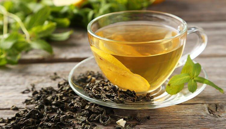 Cách giảm đau họng tại nhà bằng trà xanh