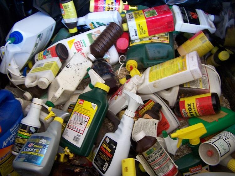 Chất thải nguy hại chứa những nguyên tố gây độc nào?