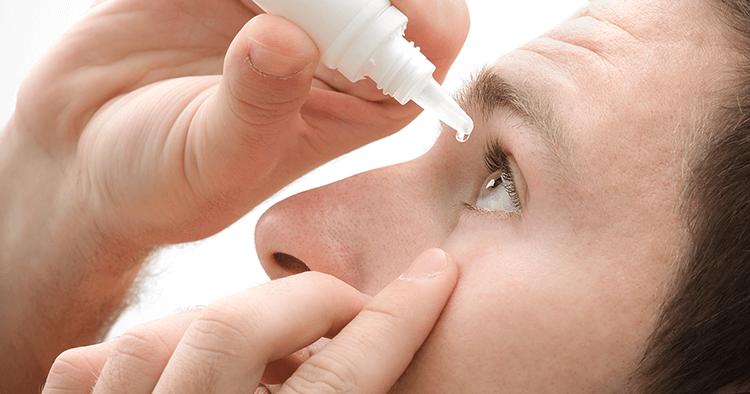 Sử dụng thuốc nhỏ mắt
