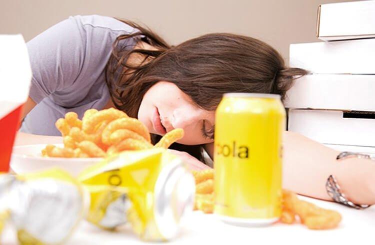 Hay buồn ngủ do chế độ ăn