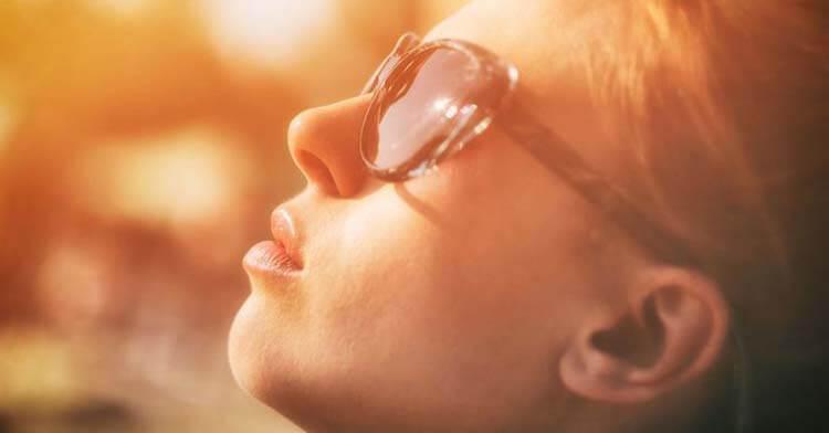 Đứng dưới ánh mặt trời để tỉnh táo hơn