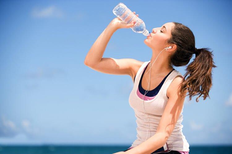 Sống khỏe mỗi ngày nhờ uống nước lọc khi luyện tập