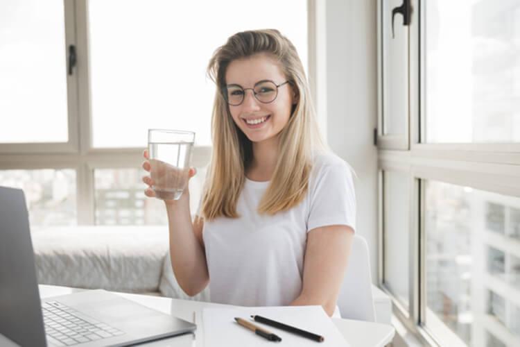 Sống khỏe mỗi ngày bằng cách uống nước lọc
