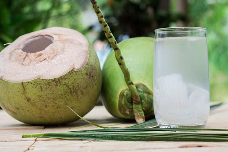 Tác dụng của nước dừa từ giá trị dinh dưỡng