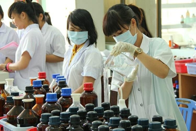 Phương pháp thử nước cất trong phòng thí nghiệm như thế nào?