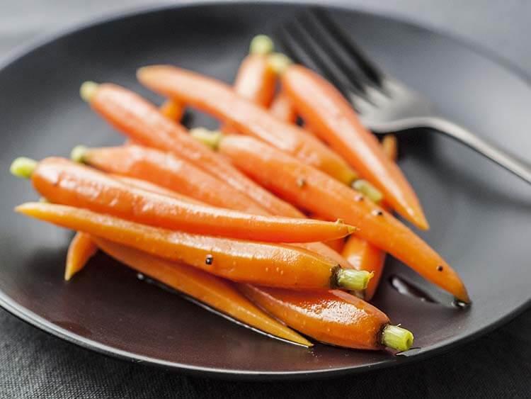 Vitamin A có trong thực phẩm nào từ thực vật? - Cà rốt