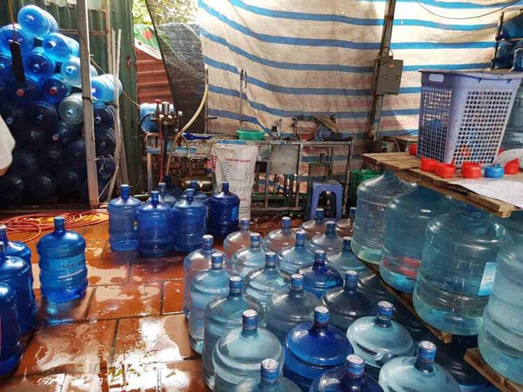 Nguy cơ từ nước uống đóng bình