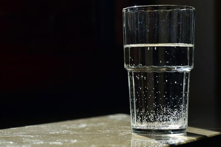 Nước bẩn do chất gây ô nhiễm vật lý